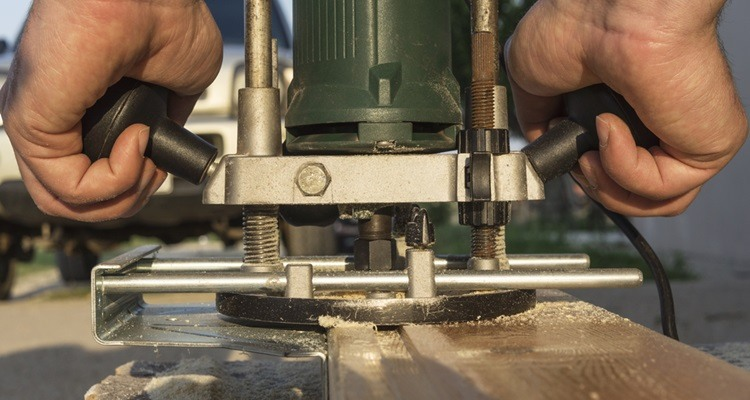 How to Plunge Cut With a Hand Wood Router -plunge cut, hand wood router, bit, router, straight bit
